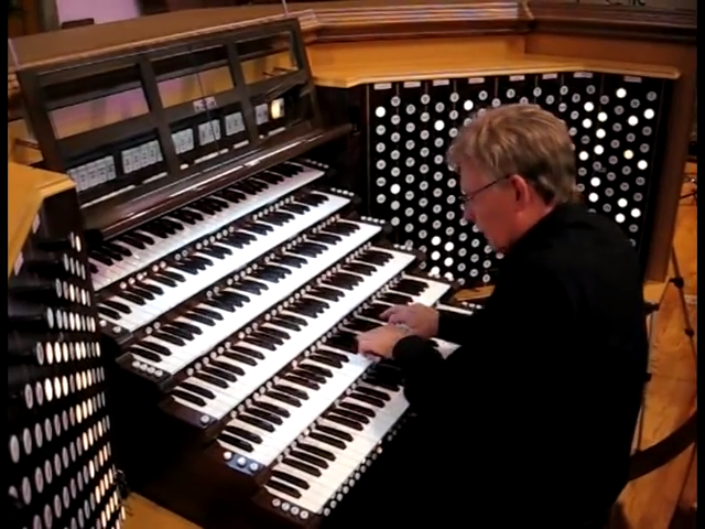 David Hegarty at the 389-rank Harrah Symphonic Organ - YouTube.png
